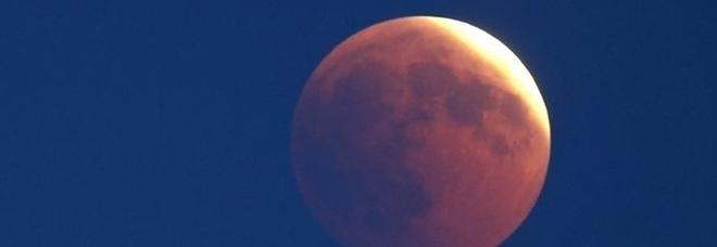 Eclissi di luna, il 10 gennaio in arrivo la prima del 2020: inizierà alle 18.07