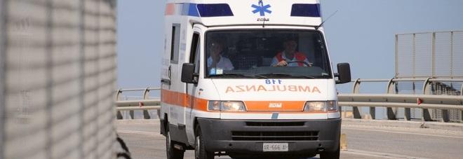 Tamponamento a catena: madre, figlia e un'altra donna finiscono all'ospedale