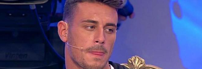 """Matteo Marciano contro Nilufar Addati e Desirée Popper: """"Una voleva il trono, all'altra calano i follower"""""""