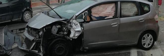 Scontro fra due auto a Montagnana: due persone ferite /Foto