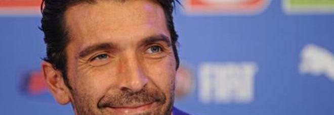 Buffon, la mamma alluvionata salva la prima maglia azzurra