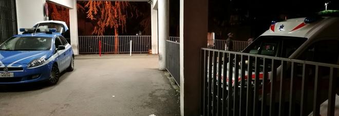 Aggrediti da un branco di minorenni all'uscita della metro: asportata la milza a un 15enne