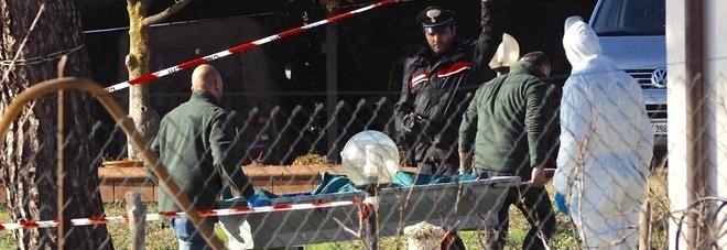 Trovata morta in villa: Augusta aveva un coltello conficcato nella schiena, è giallo