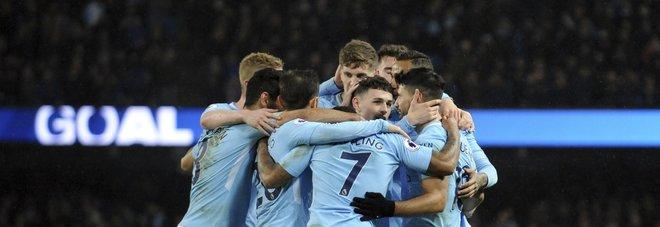 Premier, Kane-gol: al Tottenham il derby contro l'Arsenal, il City manita al Leicester con 4 reti di Aguero