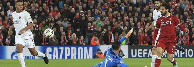 La Roma crolla a Liverpool: finisce 5-2 per i Reds. Doppietta dell'ex Salah, ma nel finale Dzeko e Perotti tengono accesa la speranza