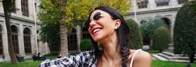Chiara Biasi dopo lo scherzo de Le Iene risponde alla polemica: «La frase sugli 80mila euro? State molto sereni»