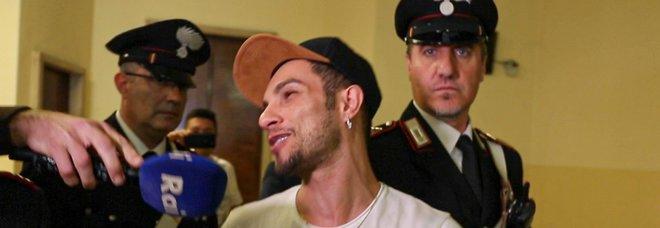 Marco Carta, non convalidato l'arresto per furto alla Rinascente. Lui: non dico chi ha rubato