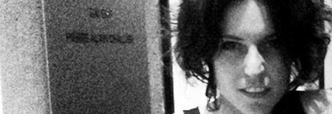 Stilista impiccata, per gli esperti il suicidio è una messa in scena: «Strangolata, poi appesa a un albero»