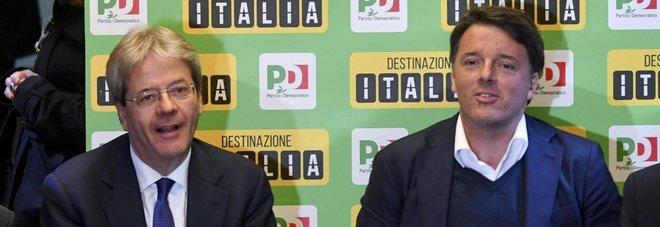 Renzi e Gentiloni (ansa)