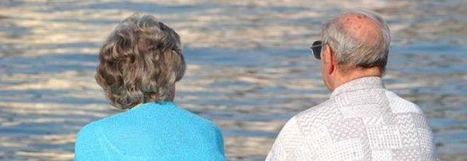 Pensionati in vacanza finanziati dall'Inps: contributo da 800 a 1.400 euro, ecco il bando