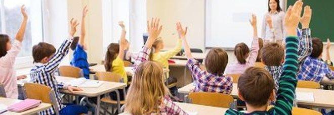 Scuola: aumenti-beffa, solo 50 euro. Scatto a giugno, prof pronti ai ricorsi