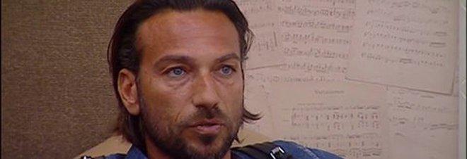 """Signorini contro Costantino: """"Inquietante"""". Lui scoppia a piangere"""