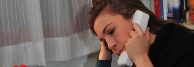 «L'ansia mi soffoca. Che fare?». Dal racconto alla respirazione la risposta degli psicologi al telefono