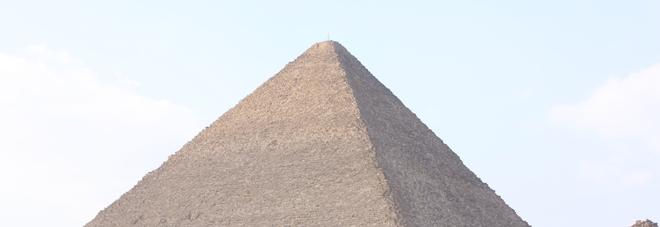 Piramide di Cheope, la camera segreta potrebbe custodire un trono di ferro meteoritico