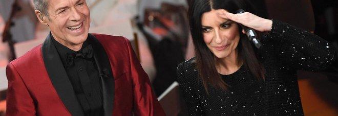"""Sanremo, Fiorello al telefono: """"L'anno prossimo conducono il Papa e Melania Trump"""""""