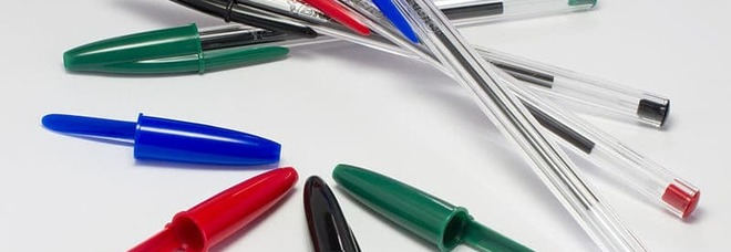 Le penne Bic e il foro sul tappo, ecco a cosa serve e perché