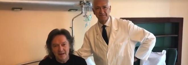 Una macchia sospetta sul polmone Red Canzian: «Operato di tumore» /Video