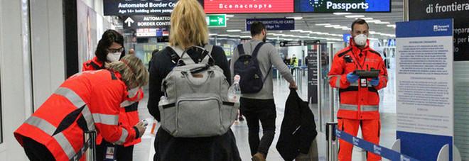 Coronavirus, donna positiva parte da Pavia e prende due aerei per tornare a casa in Sicilia. Il sindaco di Modica: «Caso gravissimo»