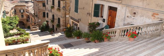 La bellezza poco conosciuta dell'Italia di mezzo da Corinaldo a Montecarlo