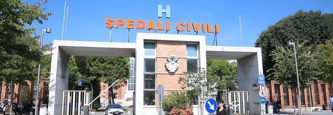 Brescia, neonato ucciso dal batterio contratto in ospedale, il primario: «Siamo alla ricerca del focolaio»
