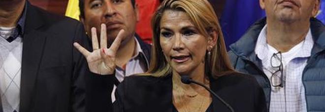La Bolivia ha una donna presidente: la senatrice Jeanine Áñez, avvocato ed ex conduttrice tv
