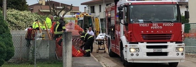 Treviso, cade in una canaletta mentre legge i contatori e muore annegato