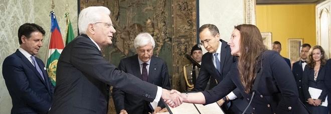 Fontana nuovo ministro per gli Affari Ue, Locatelli alla famiglia: il giuramento al Quirinale
