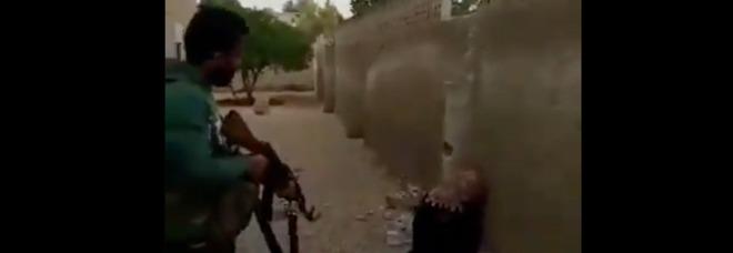 «Hai macchiato l'onore della famiglia», fratello uccide la sorella di 17 anni a fucilate e manda il video sui social