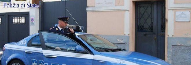 Agguato a Milano: gambizzato in strada un uomo di 27 anni con 5 colpi di pistola