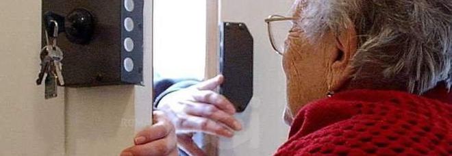 Gli anziani sono la fascia debole più colpita dai truffatori