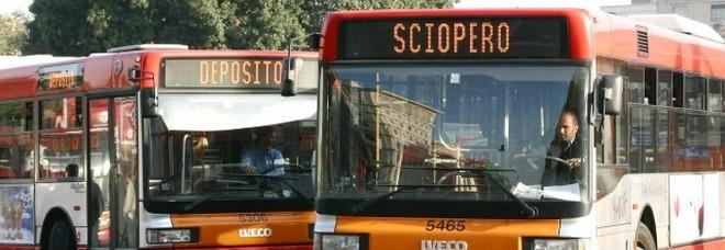 Scioperi, arriva la stretta:  «Dimezzati per i trasporti»