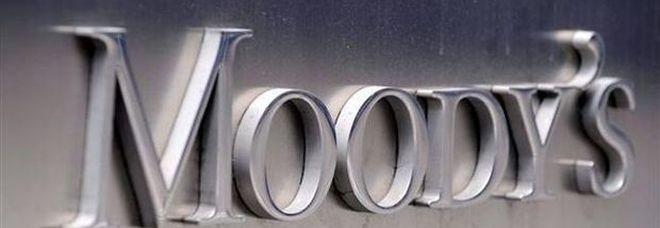 Conti pubblici, Moody's taglia il rating dell'Italia «per bilancio e deficit»