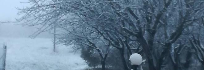 Entroterra e Sibillini, la neve  fa capolino anche nel Fermano