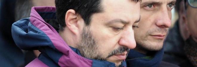 Elezioni in Abruzzo, Salvini: «Una croce sulla Lega e vinciamo!». Furia Pd: «Violato il silenzio»
