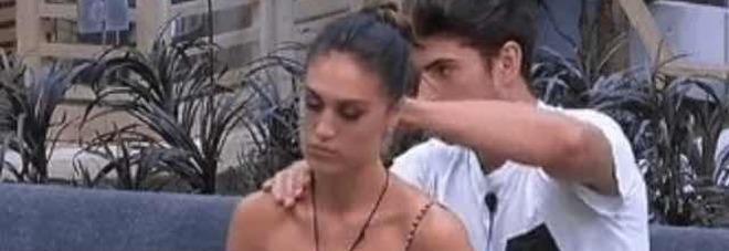 """Scambio di battute hot tra Ignazio e Cecilia, ma il web si indigna: """"È troppo"""""""