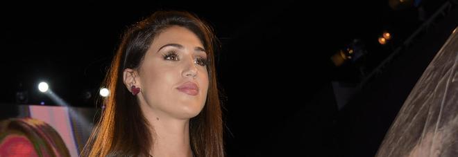 """Cecilia Rodriguez chiamata di notte con urgenza in confessionale: """"Ha telefonato a Francesco Monte"""""""