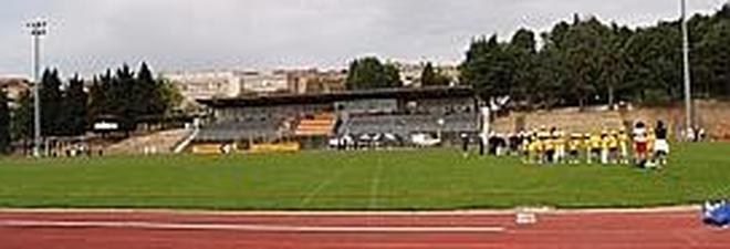 Scontri tra tifosi alla partita durante il minuto di silenzio per la tragedia di Recanati