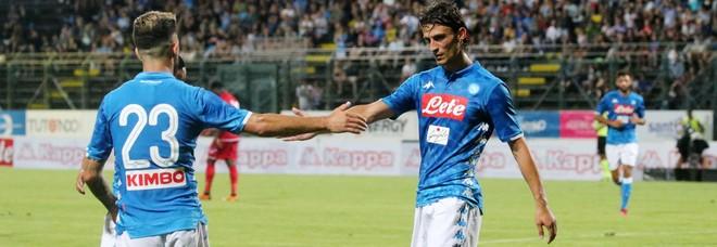 Napoli da sballo, manita al Carpi: 5-1, primo gol per Inglese e Vinicius
