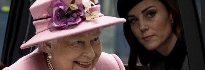 Kate Middleton, il cuore spezzato da Harry. «Era il suo ex, la piantò in asso»