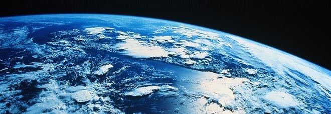"""Misterioso pianeta in rotta con la Terra: """"Ad agosto terremoti fino a 9.8 della scala Richter"""""""