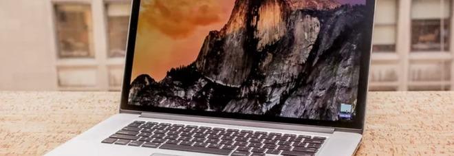 Apple richiama i MacBook Pro del 2015: «Problemi alla batteria, rischio incendio»