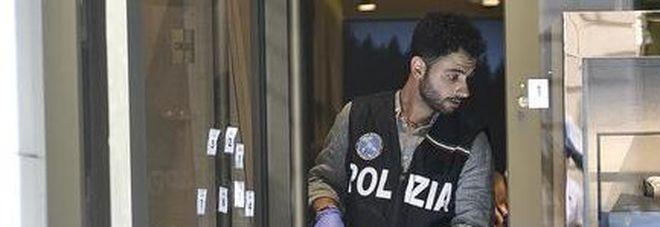 Colpo grosso in gioielleria di via Monte Napoleone a Milano: sparito bracciale da 89mila euro
