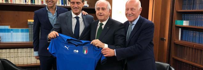 Roberto Mancini è il nuovo ct dell'Italia. Contratto di durata biennale