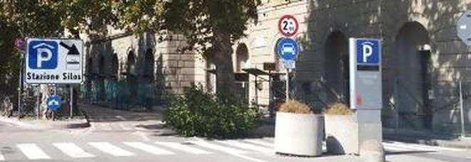 Parcheggio Silos meno caro per turisti e residenti: 20 minuti gratis
