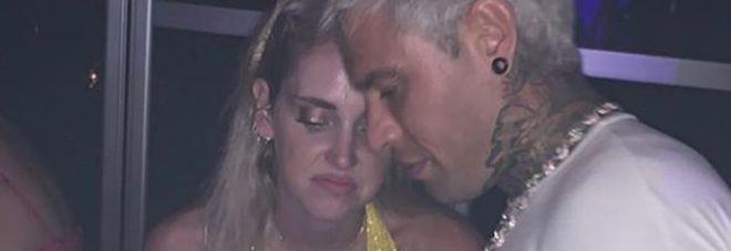 Chiara Ferragni e Fedez, scontrino salato in vacanza a Ibiza? Le loro espressioni scatenano il web