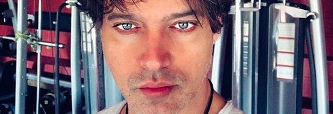 Gabriel Garko a Domenica In: «Ho la fede al dito, potrei essermi sposato...». Poi le lacrime