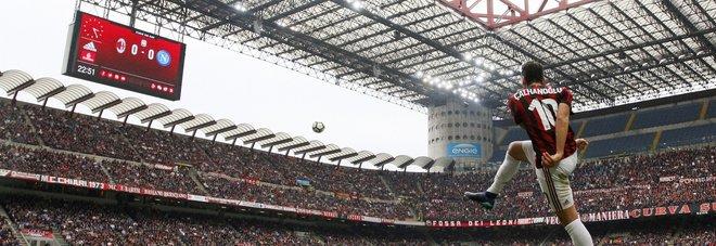 Milan-Napoli, ancora striscioni contro ADL: «Romano buffone»