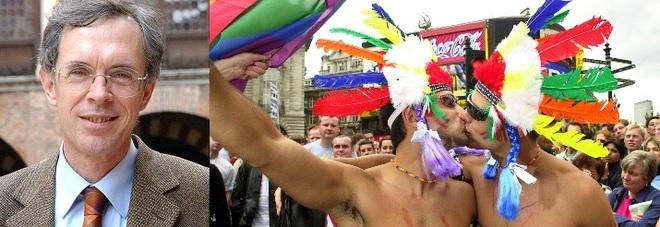 Il consigliere: «I gay una sciagura  per la conservazione della specie»