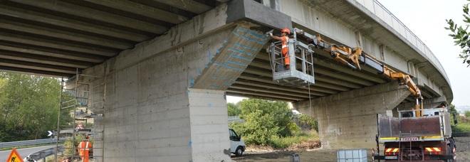 Rischio di caduta calcinacci dal viadotto della Variante: operai ...