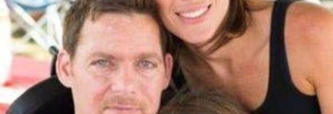 Anthony Senerchia Jr. insieme alla moglie